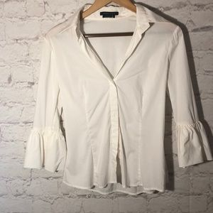 BCBG 3/4 FLARE SLEEVED WHITE BUTTON DOWN TOP